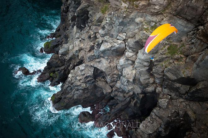 azores-paragliding-cliffs